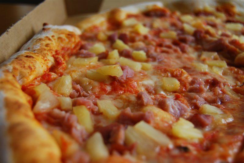 Ananas Pizza